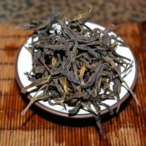 Phoenix Mountain Oolong &quot;Gong Xiang&quot; from The Phoenix Collection