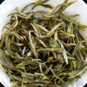 Huangshan Spring Equinox: Pre-Qingming Maofeng from Tea Hong