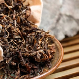 Master Han&#x27;s Wild Picked Yunnan Black from Verdant Tea