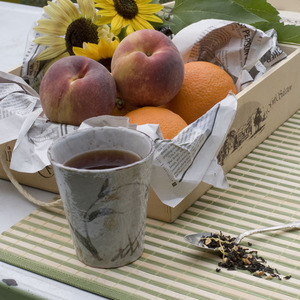 Organic Sunshine Peach Black Tea from Divinitea