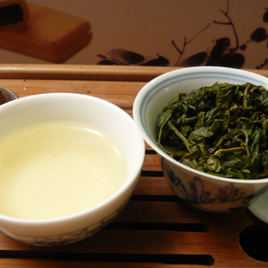 Taiwan Cui Yu Green Jade High Mountain Oolong from Life In Teacup