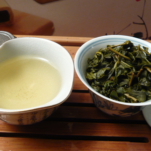 Taiwan Da Yu Ling High Mountain Oolong from Life In Teacup