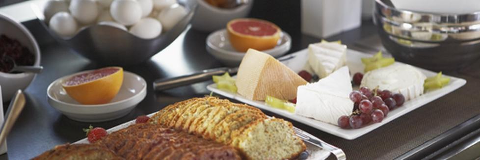 Déjeuner continental de luxe gratuit