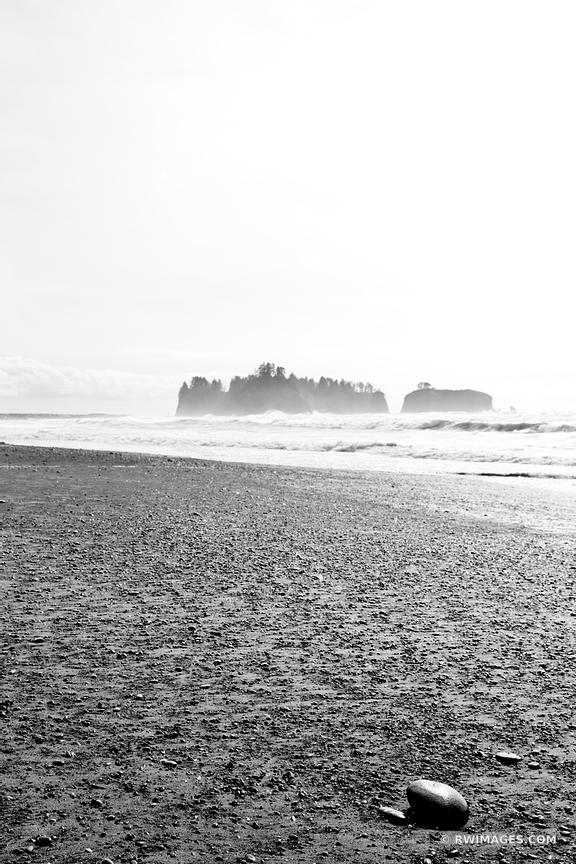 RIALTO BEACH OLYMPIC NATIONAL PARK BLACK AND WHITE