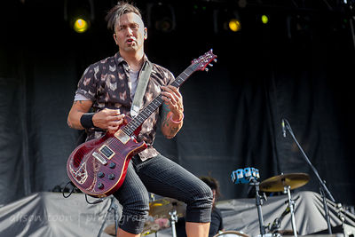 Davey Grahs, guitar, Pop Evil