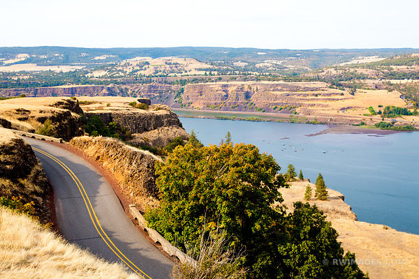 HISTORIC COLUMBIA RIVER HIGHWAY COLUMBIA RIVER GORGE OREGON