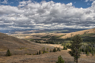 Yellowstone-Landscape-0288552-HDR