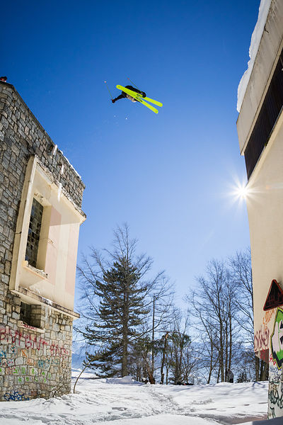 _U2A0694-etienne_merel_faction_faction_skis_freeski_freestyle_grenoble_st_hilaire_du_touvet_street_street_skiing_urbain_urban_urban_skiing_original