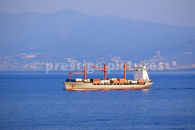 Bulk Carrier Ship CS Sonoma sailing out of Genoa