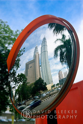 Petronas Towers, Reflection