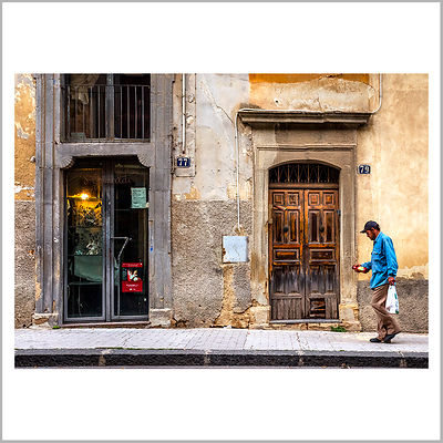 Walking in Via Roma - Caltagirone, Sicily (Italy)