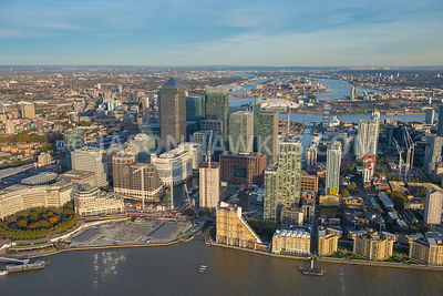 Aerial view of Canary Wharf, Isle of Dogs, London. Westferry Circus,.Westferry Road,.Bank Street,.South Quay Walk,.Chandlers Mews,.Park Place,.Columbus Courtyard,.West India Avenue,.Mackenzie Walk,.Willoughby Passage,.Cubitt Steps,.Marsh Wall,.Cabot Square,.South Colonnade,.Wren Landing,.Canary Riverside,