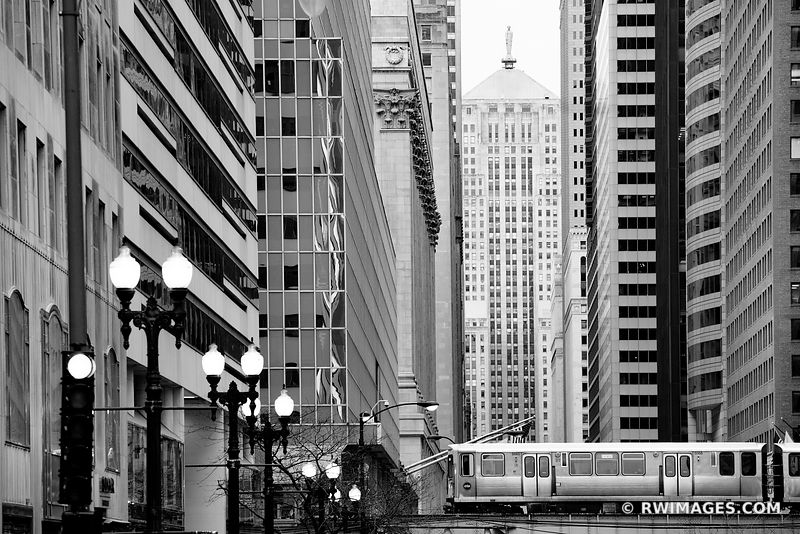 CHICAGO BOARD OF TRADE BUILDING LA SALLE STREET EL TRAIN CHICAGO ILLINOIS BLACK AND WHITE