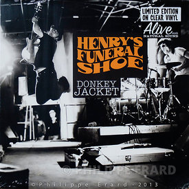 "Couverture du CD et 33t Vinyl ""Donkey Jacket"" des Henry's Funeral Shoe. Alive Records 2012."