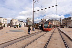 Photo du tramway a la place de la republique