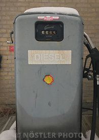 Classic Shell Gas pump