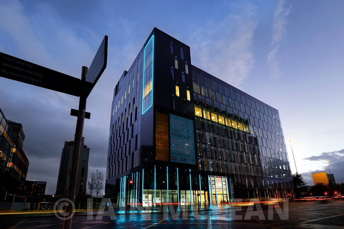 St Vincent Plaza building, 303 St Vincent Street, Glasgow..External Lighting 24.9.15.Free PR Use for Skylark PR and Abstract Securities...Picture Copyright:.Iain McLean,.79 Earlspark Avenue,.Glasgow.G43 2HE.07901 604 365.photomclean@googlemail.com.www.iainmclean.com.All Rights Reserved.No Syndication