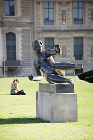 Paris, Jardin des Tuileries, sculpture de Maillol
