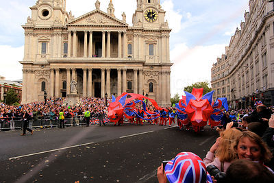St Pauls Cathedral Provides a  Backdrop for the London 2012 Athletes Victory Parade