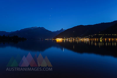 Austria, Salzburg State, Zell am See, Zell lake and mountain panorama at night