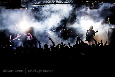 Escape The Fate live 2014