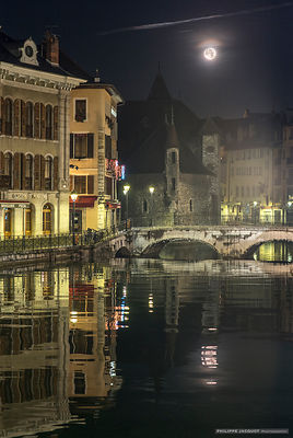 Fullmoon for christmas - Annecy