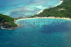 photo des iles de la caraibes, iles grenadines, ile de mayreau, photo aerienne