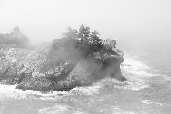 MCWAY COVE JULIA PFEIFFER BURNS STATE PARK BIG SUR CALIFORNIA BLACK AND WHITE