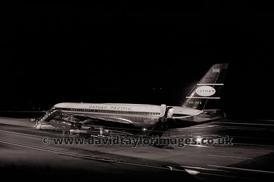 Cathay by night | Cathay Pacific CV 880M VR-HFS | Paya Lebar November 1962