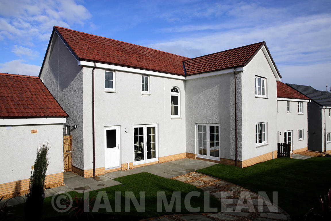 Keir Homes - Redding Bank, Falkirk...February 2015..Picture Copyright:.Iain McLean,.79 Earlspark Avenue,.Glasgow.G43 2HE.07901 604 365.photomclean@googlemail.com.www.iainmclean.com.All Rights Reserved.No Syndication