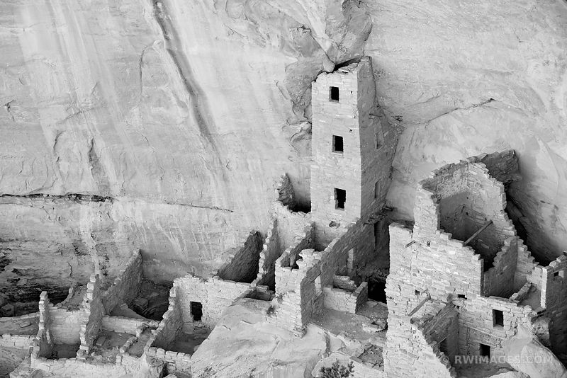 SQUARE HOUSE RUINS MESA VERDE NATIONAL PARK COLORADO BLACK AND WHITE