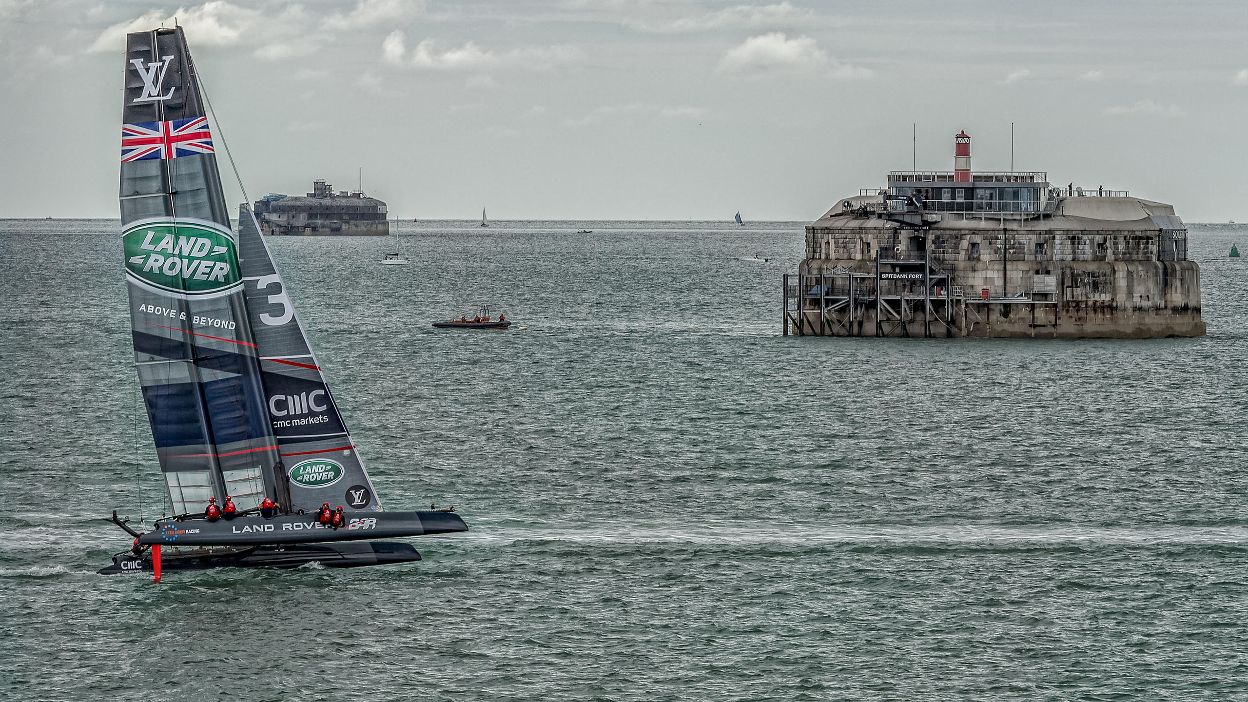 BAR  team racing boat passing Spitbank Fort in the Solent
