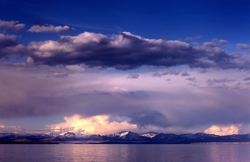 039-WL13017_Sunset_Over_Yellowstone_Lake_Preview