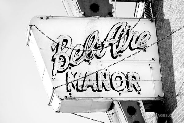 BEL AIRE MANOR ROUTE 66 SPRINGFIELD ILLINOIS BLACK AND WHITE