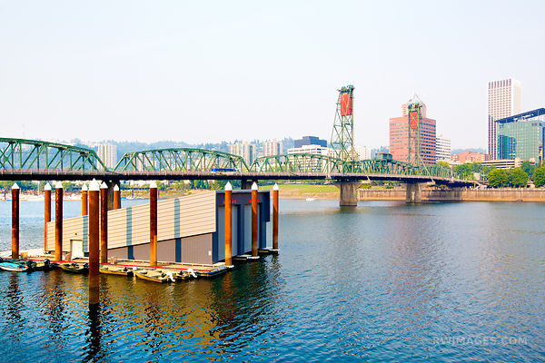 HAWTHORNE BRIDGE PORTLAND OREGON COLOR
