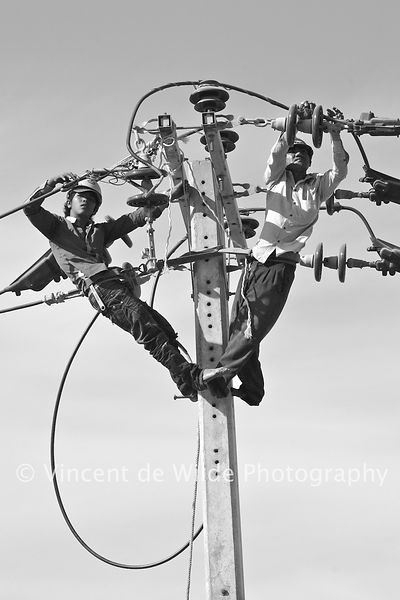 Messieurs 100000 Volts - Powerful Men