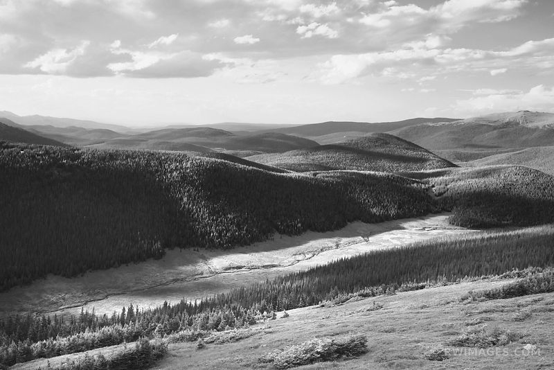 MEDICINE BOW CURVE VIEW TRAIL RIDGE ROAD ROCKY MOUNTAIN NATIONAL PARK COLORADO BLACK AND WHITE