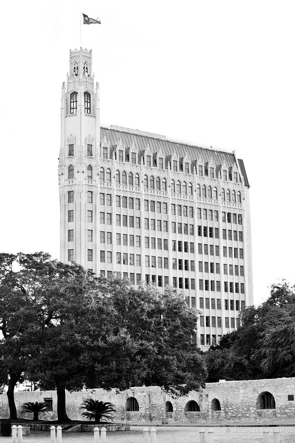 SAN ANTONIO TEXAS BLACK AND WHITE