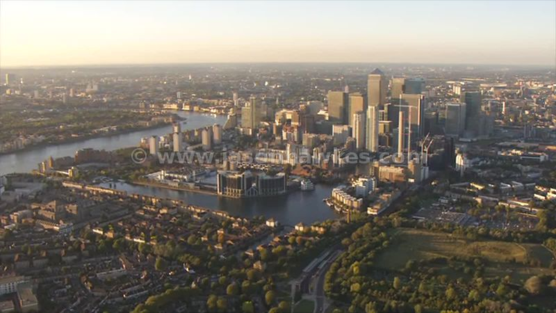 Aerial footage of the Isle of Dogs, London
