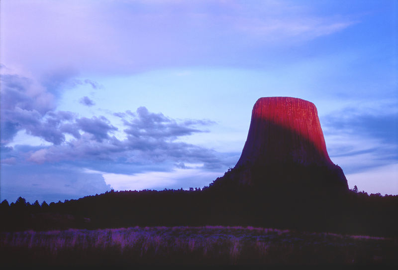 008-Western_Landscapes_D105061_Devils_Tower_in_First_Light_Preview