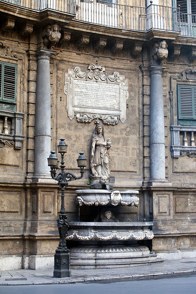 Italy - Palermo - Statue at the Quatro Canti (officially known as Piazza Vigliena) a Baroque square