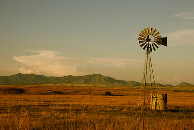 Windmill_in_desert