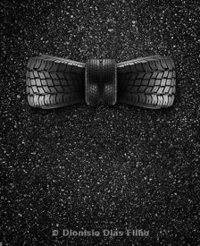 Bow tie made from tyres