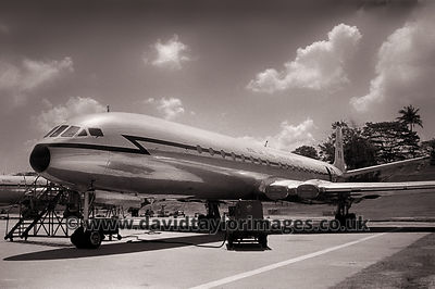 Bathing beauty | Comet C4 XR399 | RAF Changi June 1962