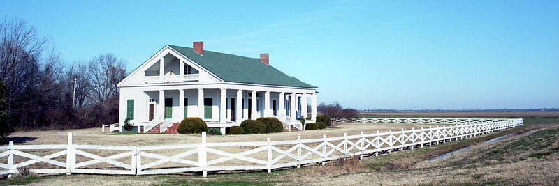 HWY61037_Historic_Delta_Home_with_Fence_Pano_004_Preview
