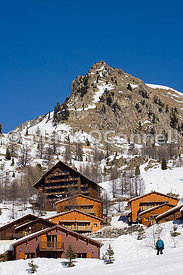 Mountain lodges Isola 2000 ski resort