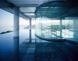 Water glass house
