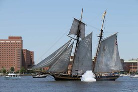ship_blows_canon_harborfest_2016