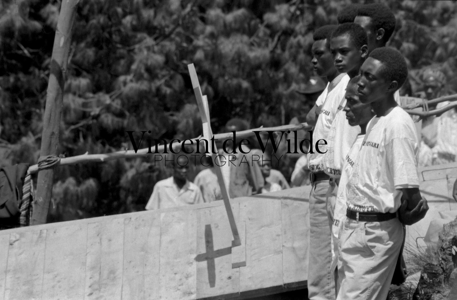 Ré-enterrement avec Dignité des Victimes - Dignified Re-Burial of the Genocide Victims