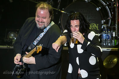 Steve Rothery and Steve Hogarth, Marillion, Wolves, 2015, Sunday